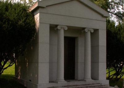monumentsLapointe_mausolee